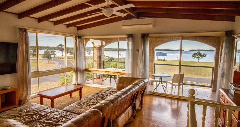3 Bed Waterfront Cabin- South Coast Retreat image