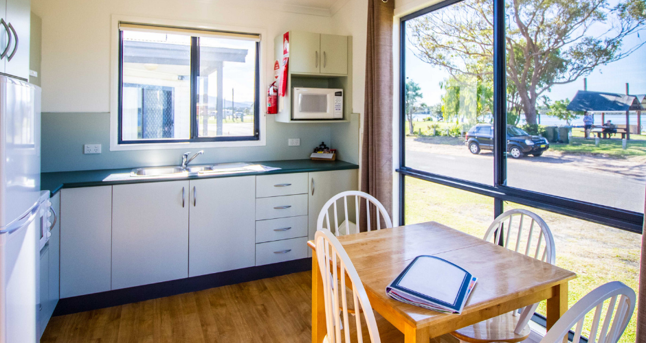 2 Bed Waterfront Cabins- South Coast Retreat - 2